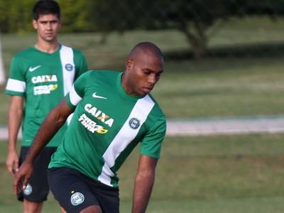 Luccas Claro, zagueiro do Coritiba (Foto: Divulgação/ Site oficial Coritiba)
