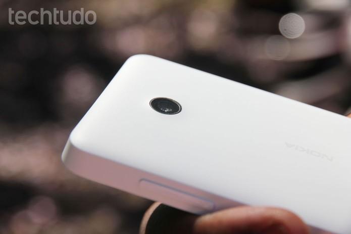 Detalhe da câmera do Lumia 635 (Foto: Tainah Tavares/TechTudo)