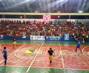 Verona x Campo Grande no ginásio Ruinet Lima de Matos, em Tarauacá (Foto: Yuri Marcel/G1)