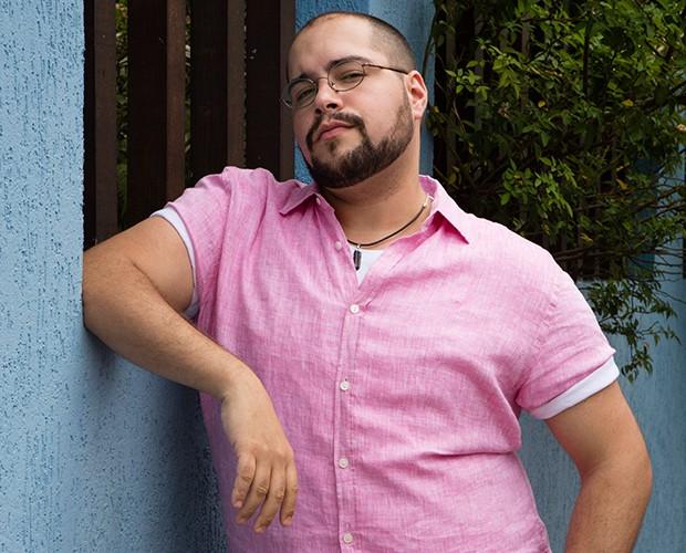 Tiago Abravanel vive Fran na trama de Chapa Quente (Foto: Globo/Tata Barreto)