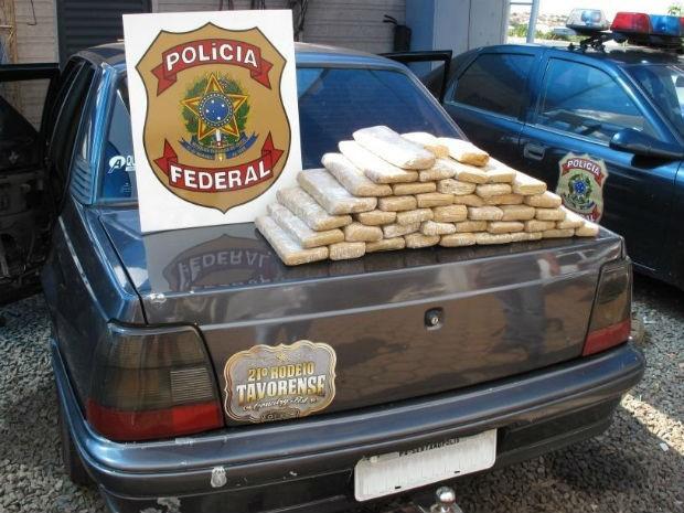 Desde o início das investigações, em fevereiro deste ano, foram apreendidos  600 kg de maconha e 60 kg de crack (Foto: Divulgação / PF)