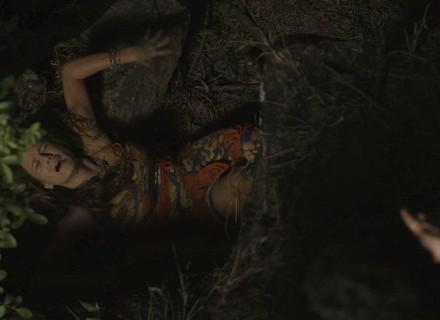 Tancinha cai dentro de buraco após  escapar de bandidos