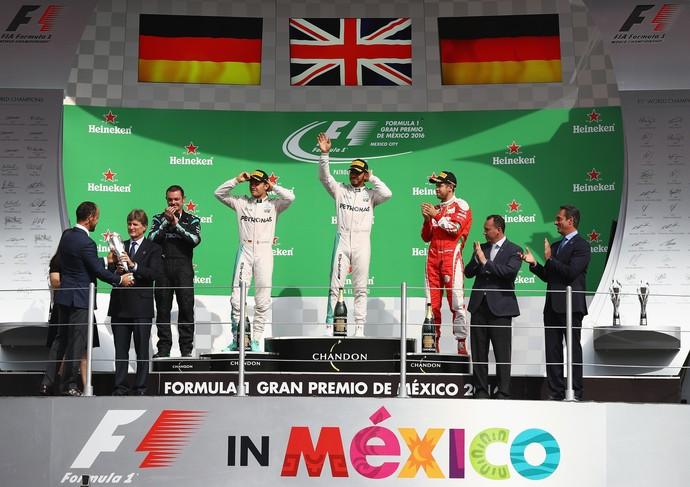 Lewis Hamilton, Nico Rosberg e Sebastian Vettel no pódio do GP do México (Foto: Getty Images)