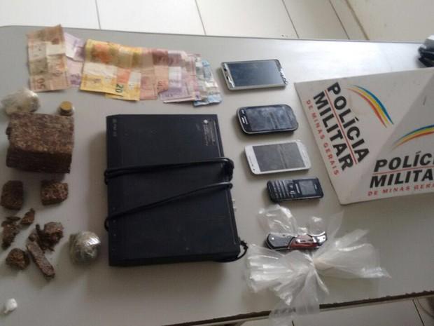 Material foi apreendido com o grupo  (Foto: Polícia Militar/Divulgação)