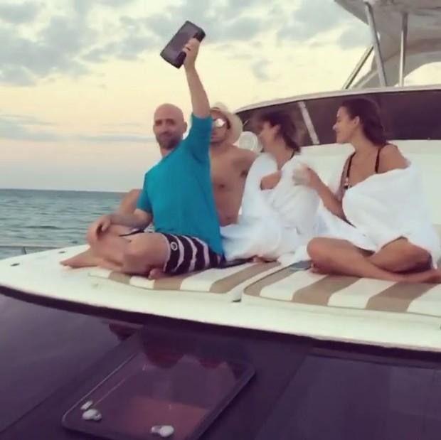 Bruna Marquezine, Tatá Werneck, Paulo Gustavo e Thales Bretas no Caribe (Foto: Reprodução/Instagram)