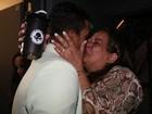 Vídeo: Marcello Melo Jr. ganha selinho e declaração emocionada da mãe