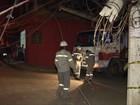 Ventania deixa moradores sem luz em Vila Velha, ES