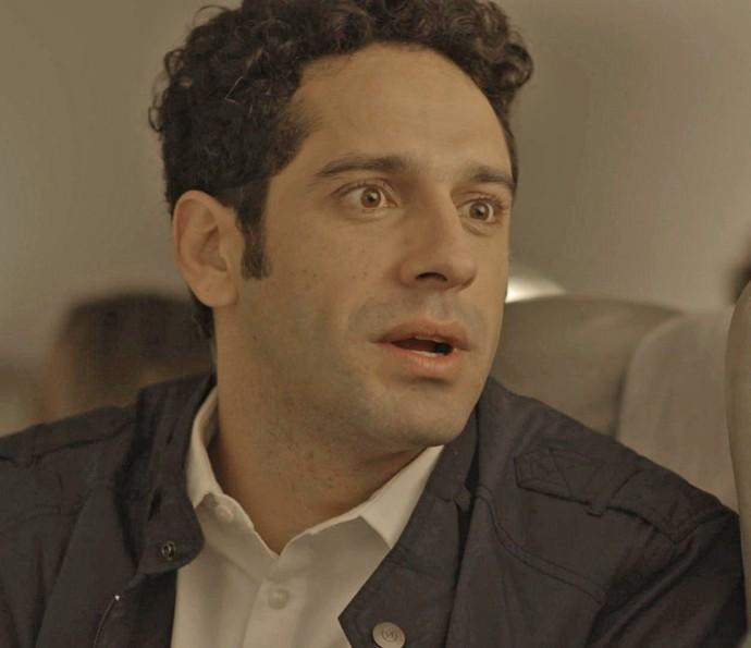 Beto se assusta com a reação da feirante (Foto: TV Globo)