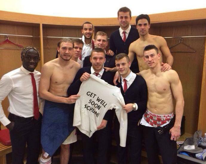 Jogadores do Arsenal desejam melhoras a Michael Schumacher (Foto: Reprodução/Facebook)