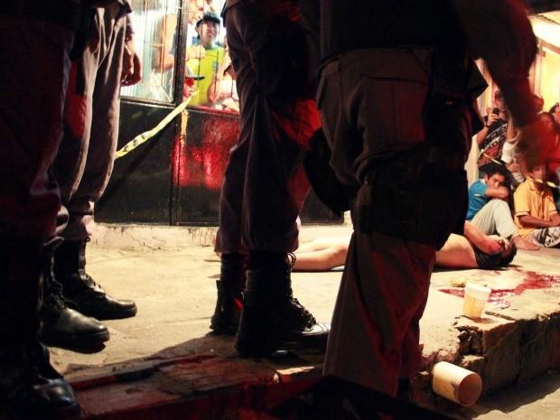 Isaac da Silva Amazonas, de 23 anos, morreu com um tiro na cabeça (Foto: Mônica Dias/G1)