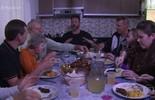 Jimmy Ogro almoça com uma família tracidional de Pomerode