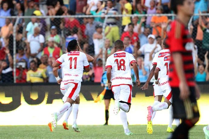 salgueiro x sport (Foto: Aldo Carneiro / Pernambuco Press)