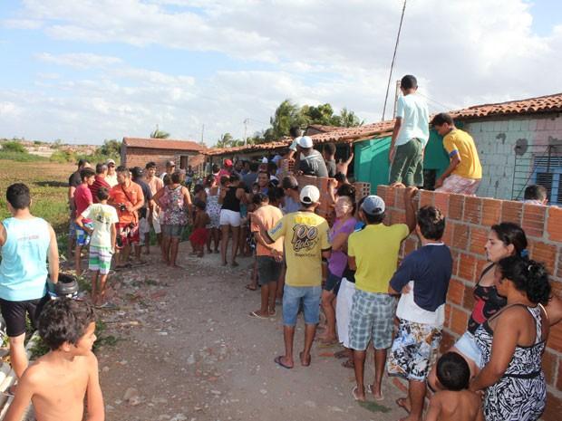 Caso aconteceu no bairro Dom Jaime Câmara, na região conhecida como Pintos, em Mossoró (Foto: Marcelino Neto)
