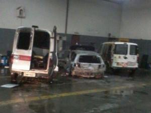 Veículos foram encontrados queimados (Foto: Arquivo Pessoal)