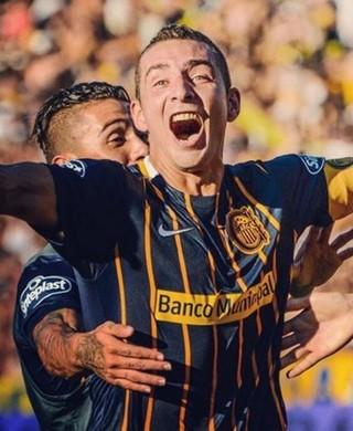 Ruben comemora gol pelo Rosario Central (Foto: Reprodução/Instagram)