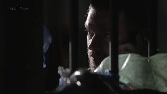 Resumo de 'A Força do Querer': Rubinho planeja fuga da prisão