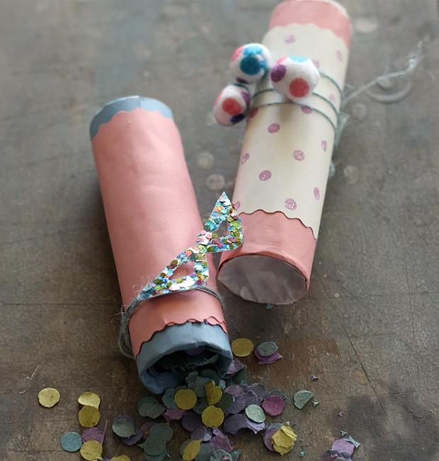Tubinhos carnavalescos decorados com confete de papel picado com certeza farão a cabeça dos convidados (Foto: Rogério Voltan/ Editora Globo)