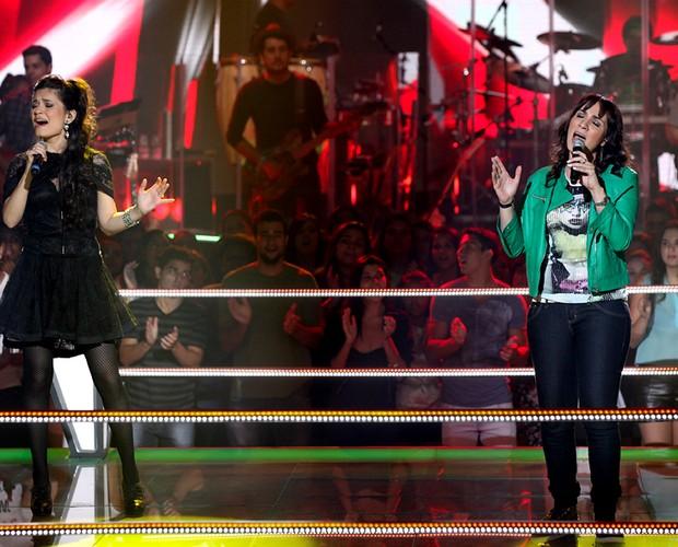 Batalha Samantha Carpinelli e Lorena Lessa (Foto: The Voice Brasil / TV Globo)