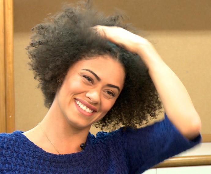 Para manter o brilho, Ana não lava o cabelo todos os dias (Foto: TV Globo)