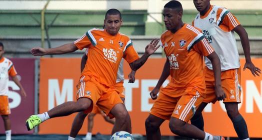 À DISPOSIÇÃO (Nelson Perez / Fluminense)