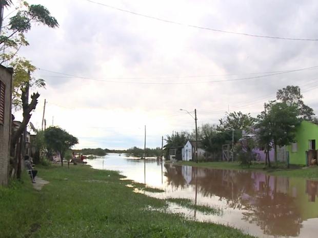 Dom Pedrito é uma das cidades que i nformaram danos causados pela chuva no RS (Foto: Reprodução/RBS TV)