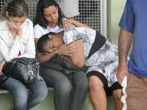 Márcia Augusta reclama da demora do atendimento na unidade (Foto: Flávia Cristini/G1)