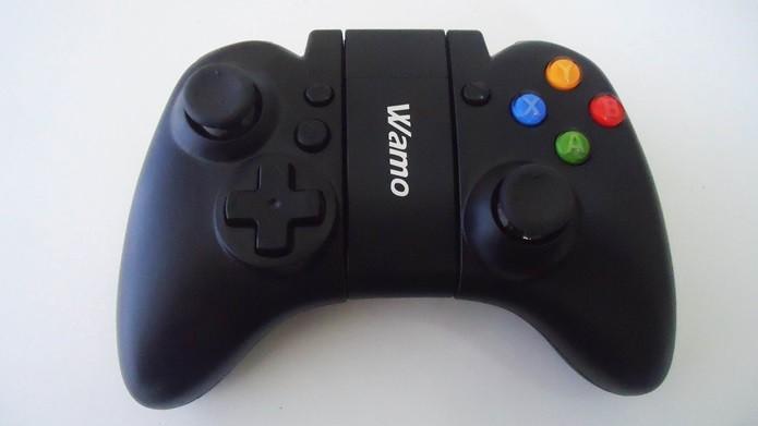 Controle Wamo lembra o do Xbox 360 (Foto: Reprodução / Dario Coutinho)