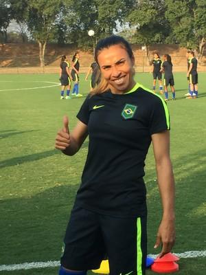 Marta seleção feminina treino (Foto: Cintia Barlem)
