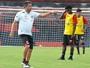 Marcelo Cabo saca Daniel Borges e  vai improvisar Silva na lateral-direita