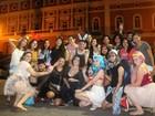 Foliões 'desfilam' irreverência e animam blocos de rua em Manaus