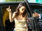 Kendall Jenner se irrita com paparazzi e se preocupa em não mostrar demais