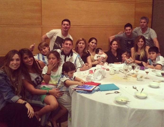 Messi e família comemora aniversário do irmão Matias (Foto: Reprodução / Instagram)