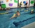 Gustavo Borges realiza atividade em Natal para incentivar natação infantil