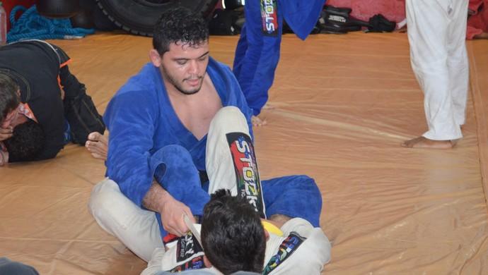 Givago Francisco, lutador santareno de MMA que assinou contrato com o Pacrase (Foto: Michael Douglas/GloboEsporte.com)