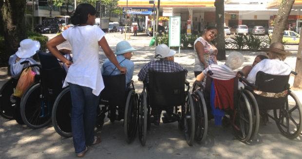 As outras senhoras todas têm mais de 90 anos, algumas perto de 100 – e as conversas são sobre vida, netos e bisnetos (Foto: Ruth de Aquino)