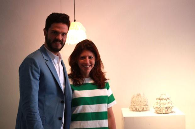 Guto Requena e Taissa Buescu, diretora de redação de Casa Vogue (Foto: Michell Lott)