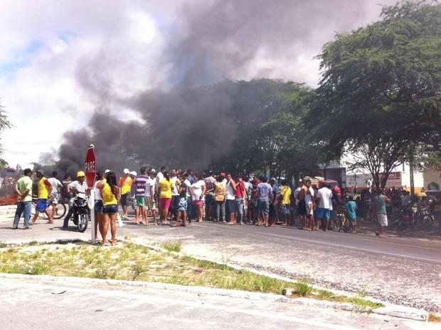 Moradores solicitam lombadas físicas na estrada, segundo a PRF (Foto: Danilo César/ TV Asa Branca)