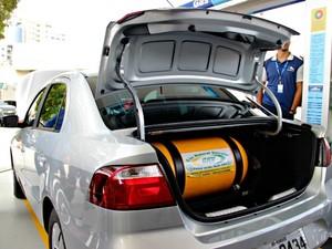 Custo para coverter veículo ao GNV é de até R$ 5 mil (Foto: Adneison Severiano/G1 AM)