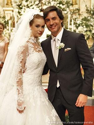 Nicole vestida de noiva (Foto: Amor à Vida / TV Globo)