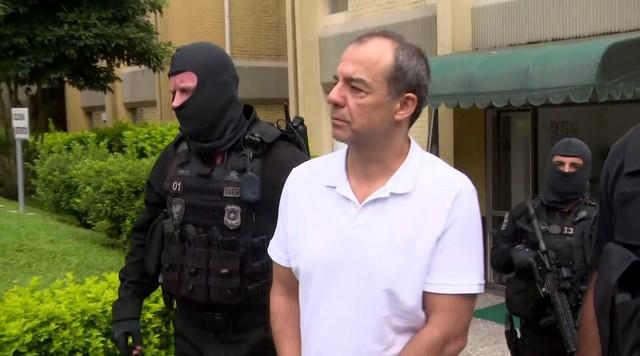 Sérgio Cabral chega ao IML para exames