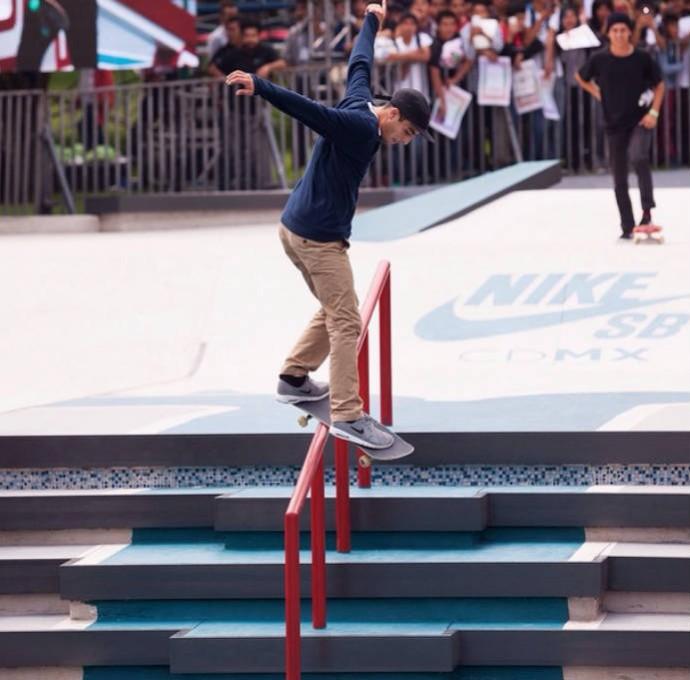 Youness Amrani faz performance na Cidade do México (Foto: Reprodução/Instagram)