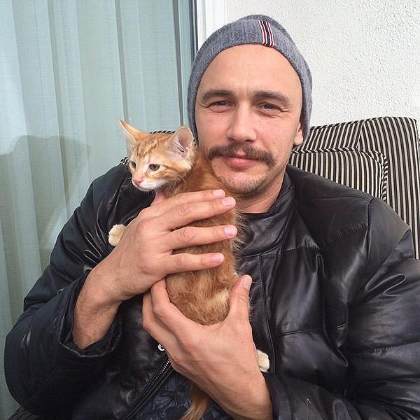 James Franco com um dos seus gatos (Foto: Reproduo / Instagram)