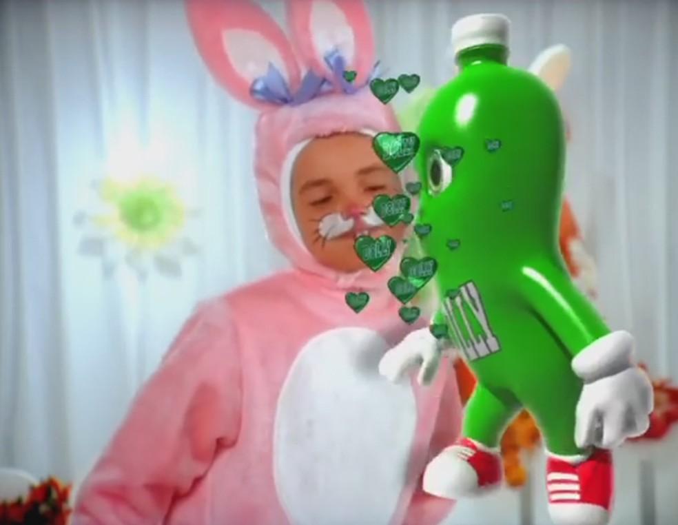Conar adverte Dolly e pede retirada de comercial de Páscoa com crianças  (Foto: Reprodução/YouTube)