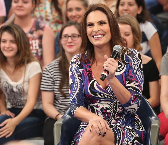 Laura Muller responde as dúvidas de sexo da plateia do Altas Horas (Foto: Carol Caminha/Gshow)