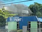Bombeiros controlam incêndio em prédio da Fiemt em Cuiabá