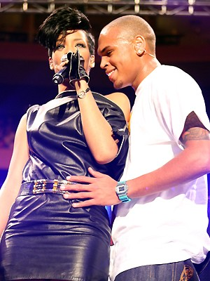 Rihanna e Chris Brown em foto de 2008 (Foto: Getty Images)