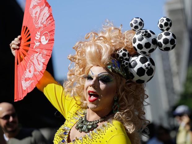 Participante concentrado para a 18ª Parada do Orgulho de Lésbicas, Gays, Bissexuais, Travestis e Transexuais de São Paulo (Foto: Nelson Antoine/Fotoarena/Estadão Conteúdo)