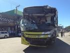 Ônibus invade oficina em Mesquita, na Baixada Fluminense