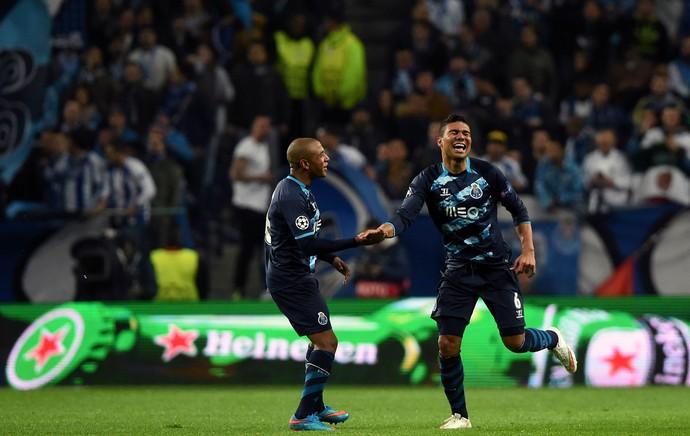 Porto x Basel - Casemiro comemora gol (Foto: AFP)