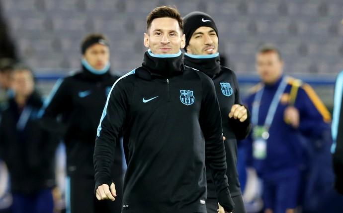 Messi e Luis Suárez treino Barcelona Japão (Foto: Reuters)